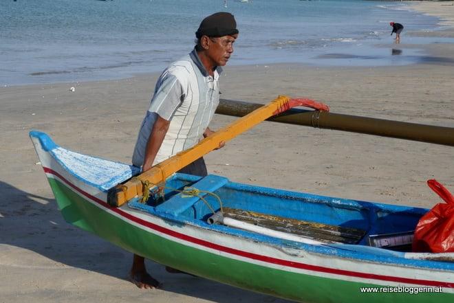 Ein Fischer auf Bali