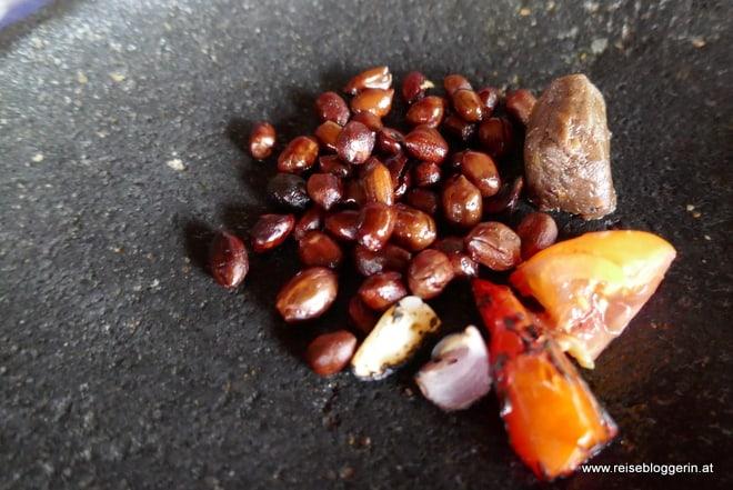 Zutaten für die Erdnusssauce
